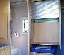 schiebeschrank ber r cksitz. Black Bedroom Furniture Sets. Home Design Ideas